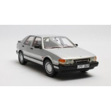 Saab 9000 Turbo 16 1986 - silver metallic